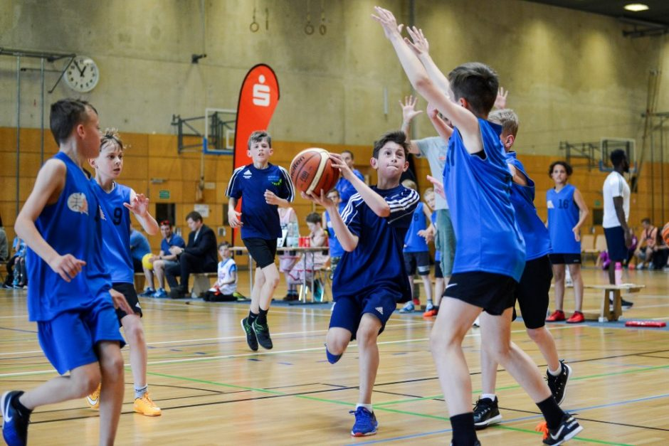 Medaillen, Pokale, Torte – Das war das Finale im MBS Basketball Schulcup 2019